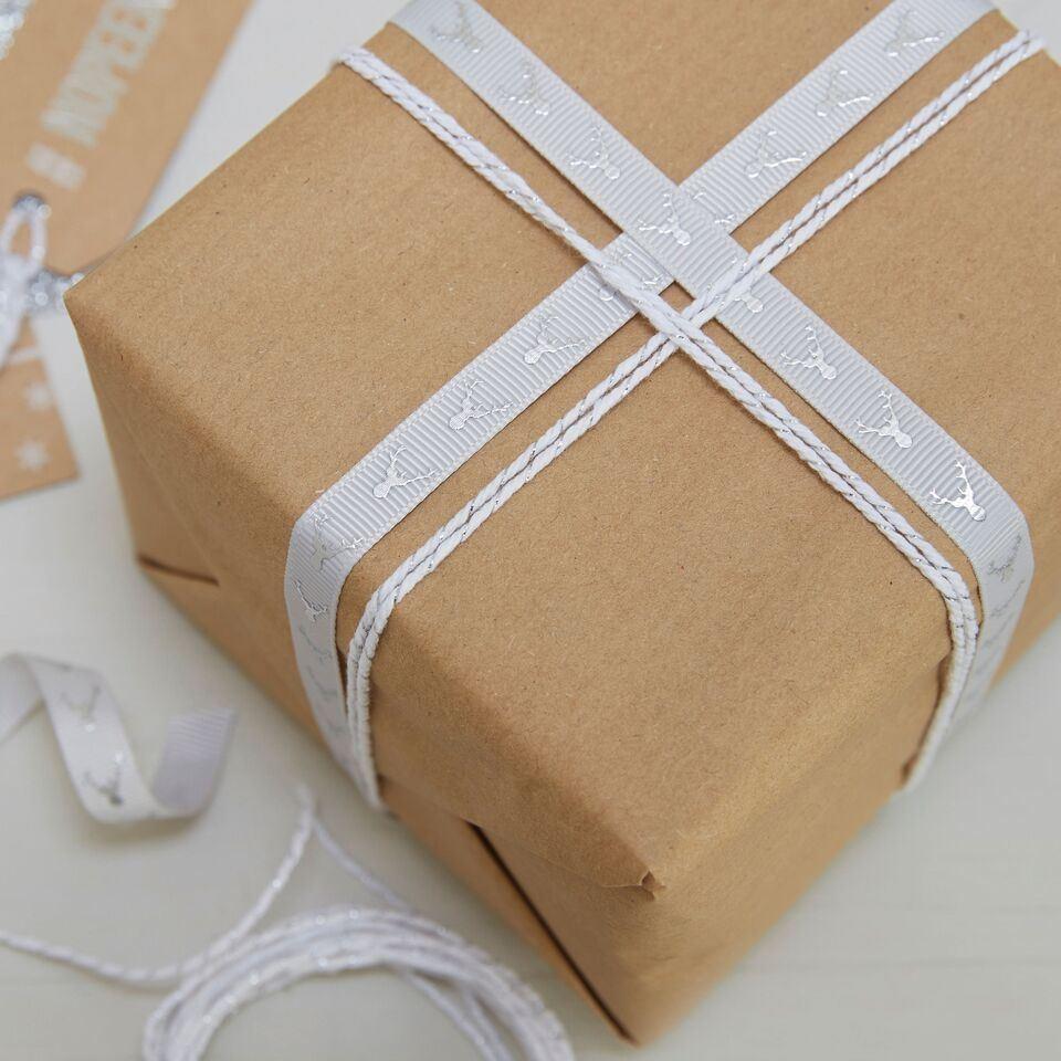 imagen de cintas tela regalos navidad nrdica