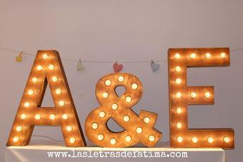 Imagen de Alquiler Kit de 3 Letras de MADERA con luz