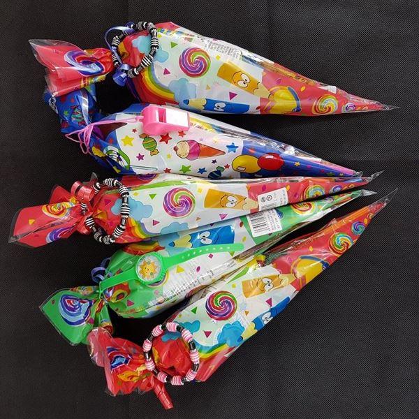 Imagens de Bolsa cono con chuches y juguete (Sin Gluten)