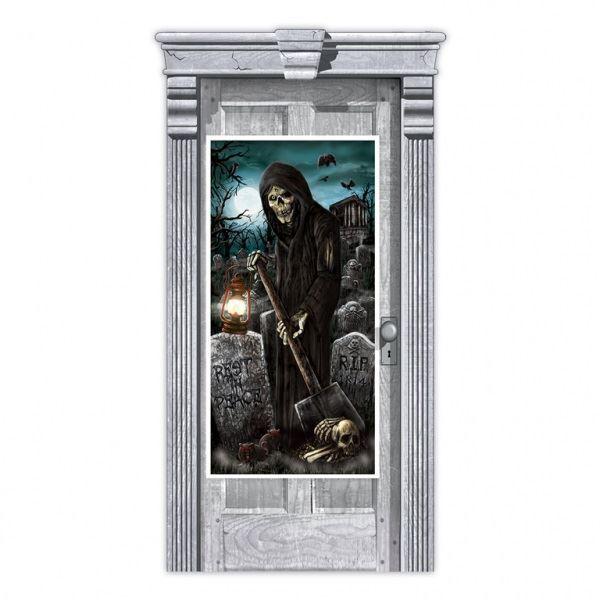 Imagen de Decorado puerta cementerio